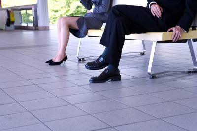 辦公室戀情達人獻計》職場遇到愛?理性判斷低調為上!