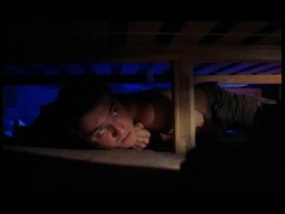 我在一對夫妻床底躲了一夜的所見所聞,震驚了!