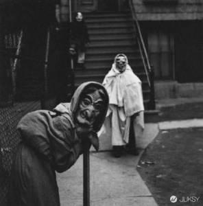 昨天你的萬聖節裝扮有超過這些「復古鬼怪照」嗎?
