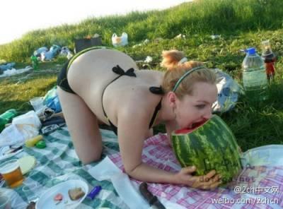 俄羅斯辣妹在交友網站上的圖片...你看了會鼻血狂噴的