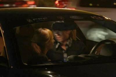 40歲計程車司機和14歲女孩在車上..........我都震驚了!!必轉!
