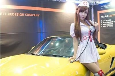 速度與激情!時速305 極速韓國賽車女郎
