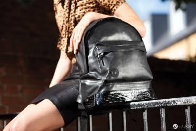 打包英倫街頭輕時尚,帶著走的質感後背包,Mi-Pac 用繽紛妝點你的日常生活!
