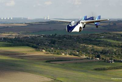 陸上 空中都難不倒它-科幻電影中常見的車款也買的到!