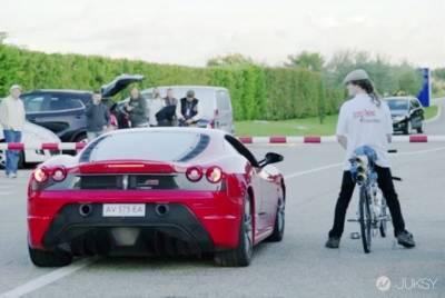法拉利被腳踏車慘電!!史上最快腳踏車飆出333公里時速!!