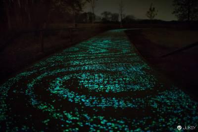 你的征程是一片星海,把梵谷的星夜變成太陽能自行車道