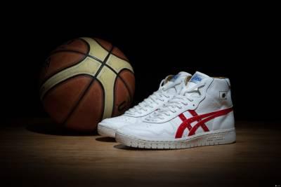 專業運動領導品牌亞瑟士 2015 進軍籃球市場 金太陽系列籃球鞋強勢回歸 全台限量 60 雙輝煌登台