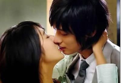 怎麼接吻才有感覺怎麼接吻啊 全集 ~接吻教程大全男女篇