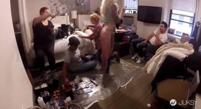 女模穿國王的牛仔褲逛紐約 居然都沒被發現直到最後...