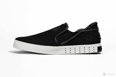 暗黑美學再襲,Y-3 2015 春夏鞋款亮相