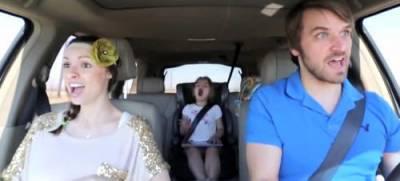 恩愛夫妻完美「對嘴」演繹《冰雪奇緣》插曲,不過那個麻麻...好像忘了什麼...