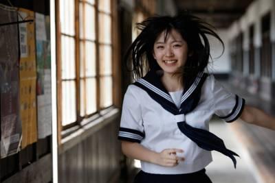 各國最美高校制服TOP10!!!泰國超性感~!!第十名是男人都會愛~