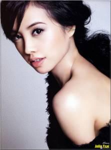 大到滿出來! 「G奶寫真女星」今野杏南 酷似多位知名女星