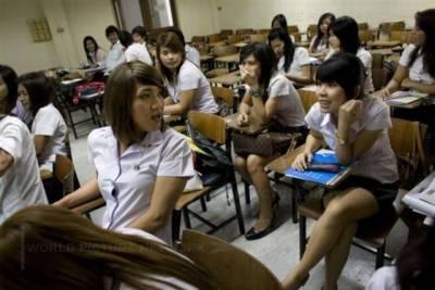 實拍泰國人妖學生的大學生活,你永遠猜不到誰是女孩