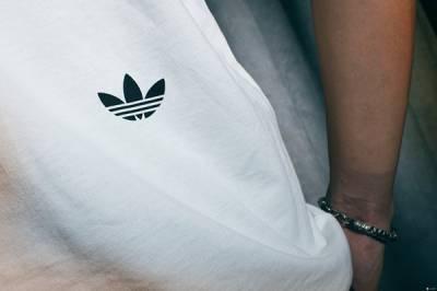 adidas Originals by nigo 復古經典遇上潮流大師,翻玩三葉的時尚純粹!