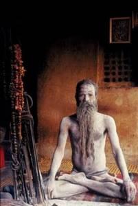 將屍體視為神的禮物,印度脫序「食人族」酗酒 吸毒 吃人肉樣樣來!