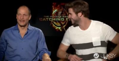 伍迪哈里森 Woody Harrelson 解決了困惑已久的事:「原來連恩·漢斯沃(Liam Hemsworth)就是雷神索爾的弟弟...」