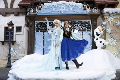 香港迪士尼樂園雪亮聖誕獻禮 林依晨 林俊傑微電影首映 攜手共譜「幸福的原點」