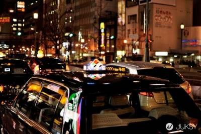 一張照片的警示 告訴你記得坐計程車要繫安全帶