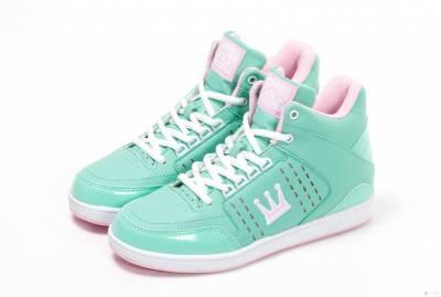 女孩必備小心機 DADA亮彩內增高鞋