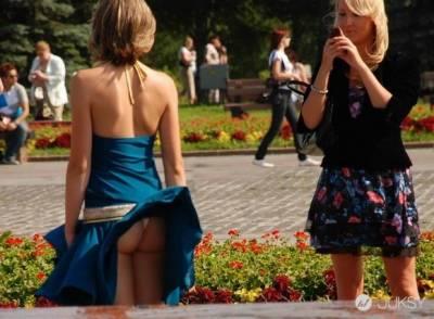 裙子飛起的一瞬間