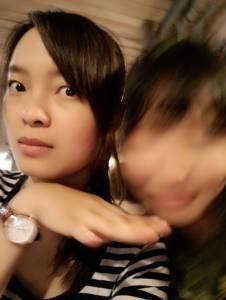 正妹最悲哀的莫過於...身邊的朋友拍照時都故意這樣做...