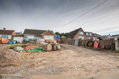 一個英國土豪把後院挖掉9000頓土以後...你想像不到他竟然蓋了這些東西!!