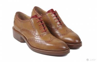 「18 歲」以上才能購買的豪飲牛津鞋 讓你用最先進的方式走進辦公室