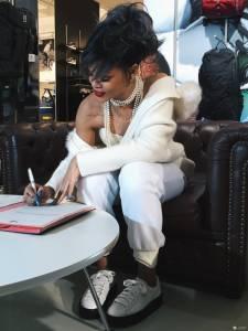 雷哈娜正式簽約PUMA 全球流行天后雷哈娜將擔任PUMA全球代言人暨創意總監
