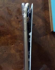 「僅憑1張iPhone6摔壞照」正妹竟抓到男友劈腿證據!!你看出來了嗎