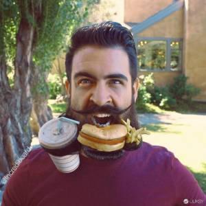 這傢伙大概擁有全世界最誇張的鬍子 見見神一般的創意魔人