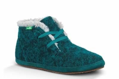 Sanuk 給你極致的毛絨呵護:AMBRRR安柏鞋 裡外採用保暖材質,天氣再冷也不怕!
