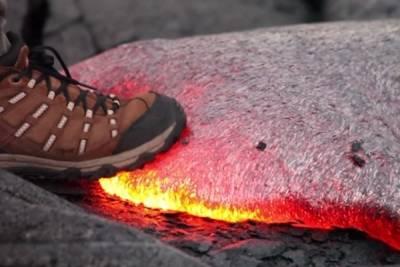 岩漿大實驗 不管是可口可樂或是腳踩都很危險...