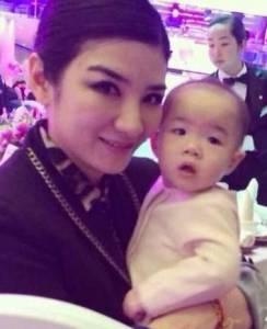 那些沒有繼承爸媽長相卻異常可愛的星二代!!王菲女兒「李嫣」長得也很特別!!