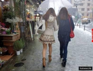 為何日本妹「寒冷冬天」也光腿穿迷你裙?偷偷告訴你這個秘密!!