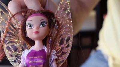 太變態了!給孩子買玩具娃娃,結果發現買到人妖娃娃!