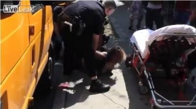 美國街頭出現活生生喪屍!警察看到也嚇傻了...