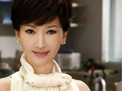 59歲趙雅芝 58歲劉曉慶 32歲范冰冰:告訴女人甚麼最重要