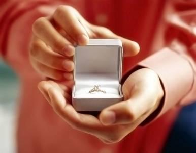 很欠揍卻成功了的求婚
