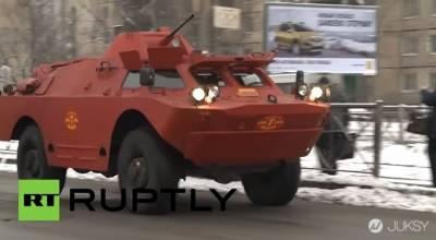 戰鬥民族的超猛計程車 居然是XX車改造的?!