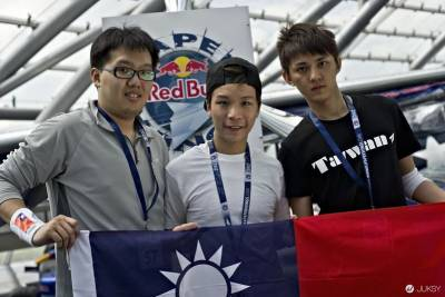 地面管制中心呼叫飛行員! 2015 RED BULL Paper Wings 世界紙飛機大賽準備起飛