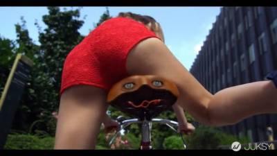 我想成為女生單車的坐墊
