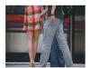 一女穿超短裙坐地鐵,結果被一男子。。。