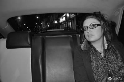 英國攝影師當計程車司機 乘客給拍就不收錢!