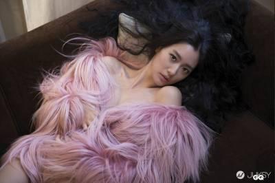 全球100最美女星克拉拉 性感寫真集火辣曝光!