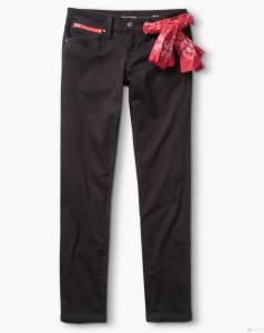 LEVI'S 洋洋得意過新春 新年系列商品盡顯「紅」色魅力 放肆過年「趣」