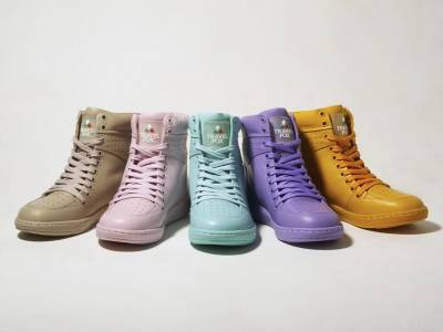 【TRAVEL FOX 2015新品】 情人節甜蜜成雙專案 任選兩雙經典高筒鞋款合購價五千!