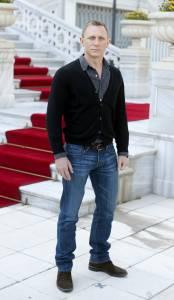 007電影詹姆士龐德大回歸,性格派丹尼爾克雷格熟男穿搭
