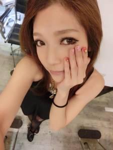 「最正修眉師」爆紅網友跪求店址 網友:指定她只要多加500!