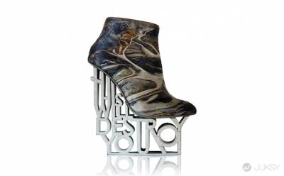 如果你以為 Lady Gaga 的恨天高已經是極限了 代表你沒有看過全世界最凶悍的高跟鞋藝術